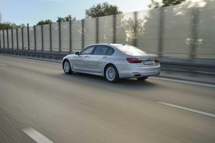 Så här ser en av BMWs självkörande bilar ut i dag.