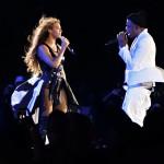 Jigga i vit kostym och Beyoncé i läder och släp. Mycket läder på denna turné alltså.