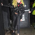 Lady GaGa vet vi kan både inspirera och uppröra med hennes sin stil, vad gillar ni den här peruken?
