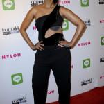 Tyra Banks blandar och ger med sin stil, ibland eleganta fodral och ibland lite crazy. Som här!