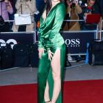 Jessie J  maxar både slits och urringning. Skulle du våga?