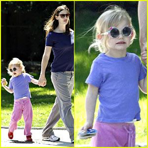 violet-affleck-sunglasses.jpg
