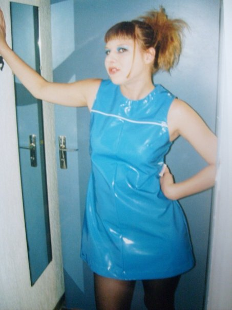 Malin plastklänning.jpg