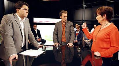 Jimmie Åkesson och Mona Sahlin i tv-debatt. Foto: Robin Nordlund