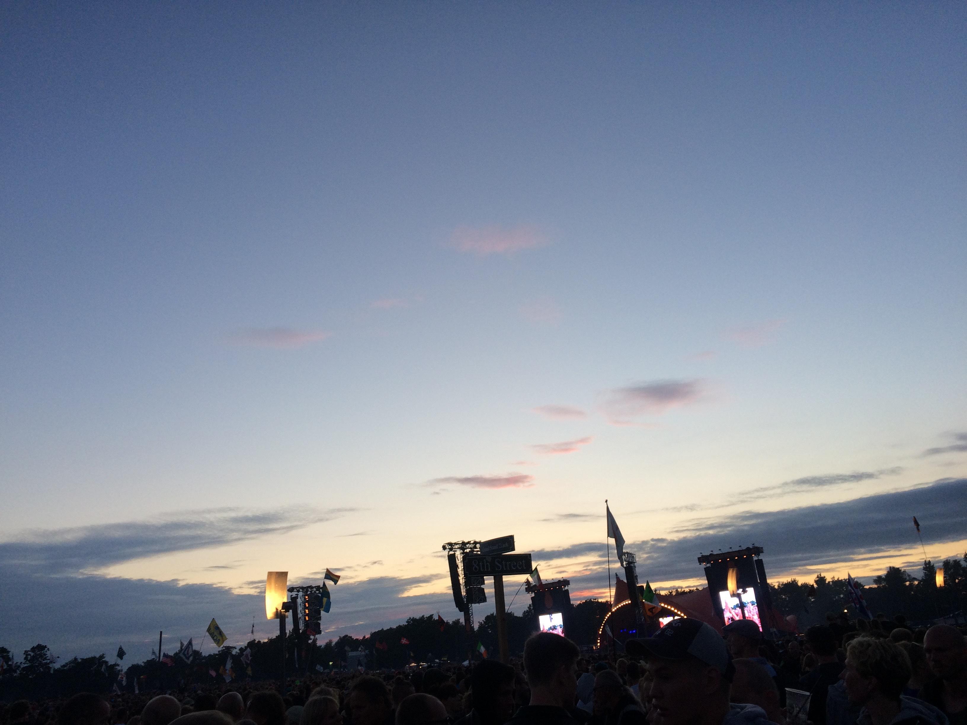 Macklemore och Roskilde-himlen. Gillar en av dem bättre än den andra...