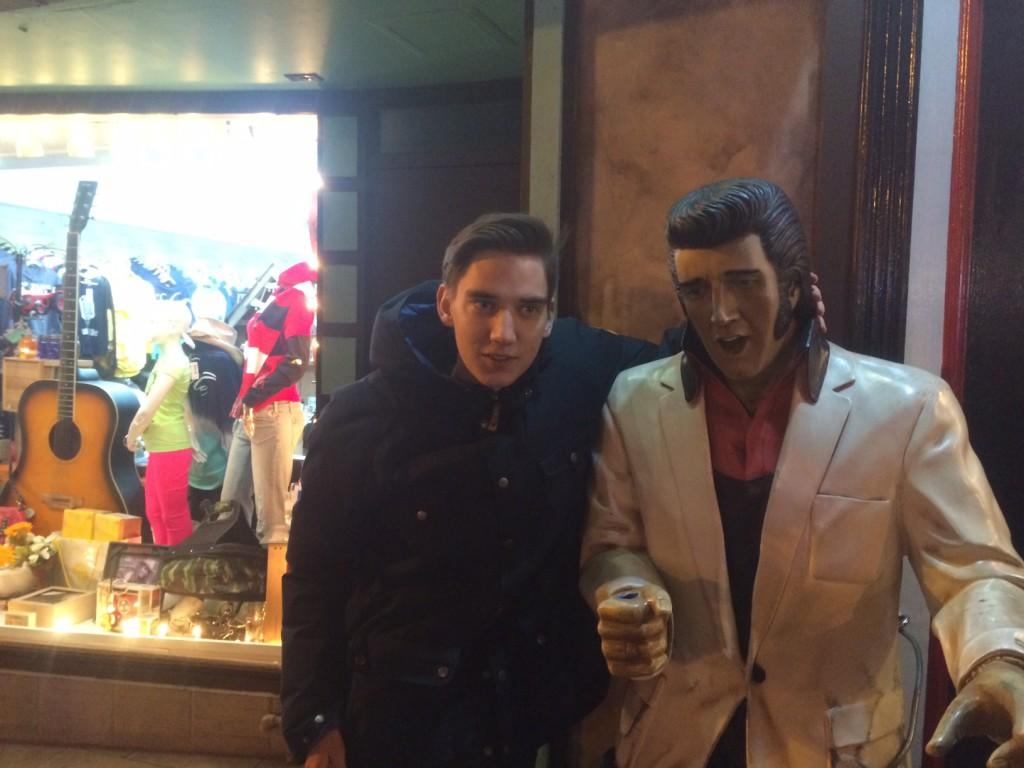 Ekeliw och Elvis