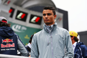 Pascal Wehrlein (GER) Manor Racing on the drivers parade. 13.11.2016. Formula 1 World Championship, Rd 20, Brazilian Grand Prix, Sao Paulo, Brazil, Race Day. Photo credit should read: XPB/Press Association Images.