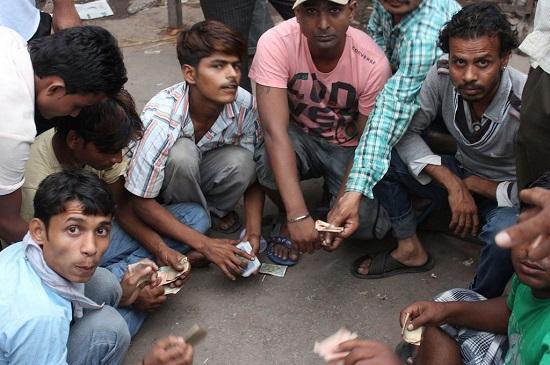 230 miljoner indier fick strommen ater
