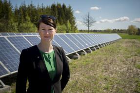 Lise Nordin (MP) vill att fler tak ska ha solceller. FOTO: Pressbild