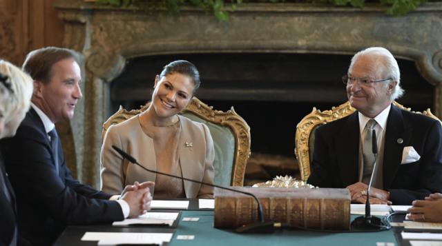 Norges kung harald utskriven fran sjukhus