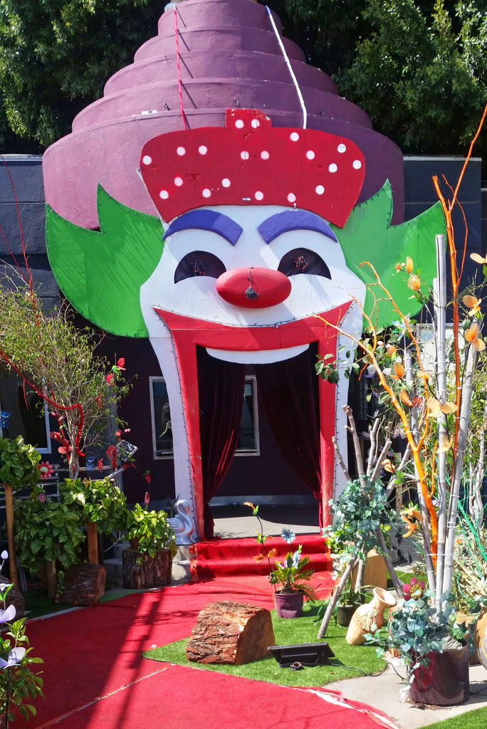 Clown-house