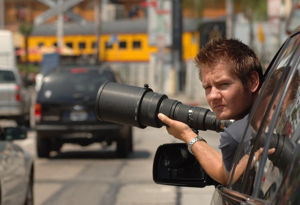 Se kanye wests galna slagsmal med fotografen