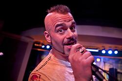 "Jockes val i karaokebaren: Dios ""Holy diver"". Foto: Johan Söderlund"