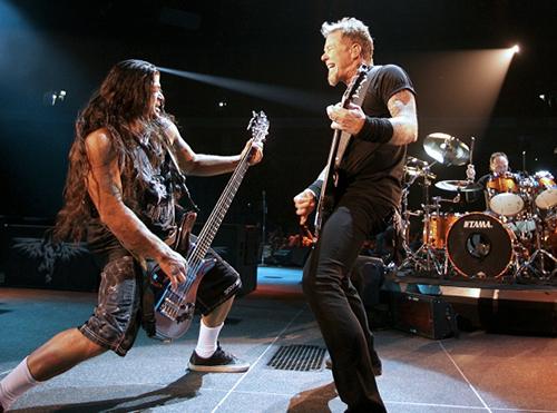 Rob Trujillo och James Hetfield syns snart på en 3d-bio nära dig.