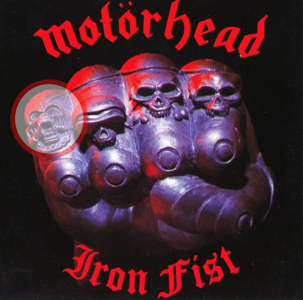 """En väldigt tydlig Snaggletooth på omslaget till """"Iron fist""""."""