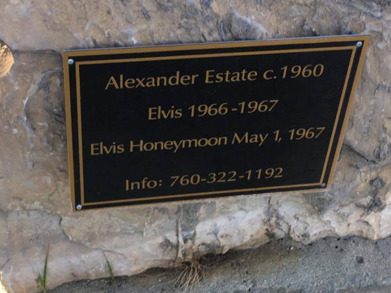ELVIS:Honeymoonskylt