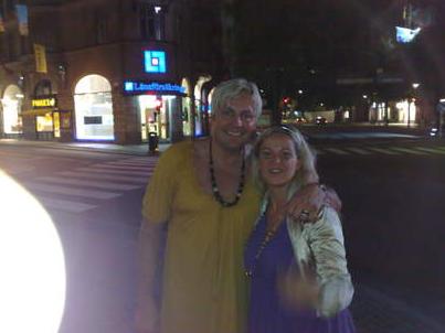 """På Runars svensexa var han utklädd till Carola och uppträdde med låten """"Främling"""" på Sturehof i Stockholm."""