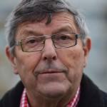 Allan Karlsson, föredetta kommunalråd och med lång vd-karriär inom allmännyttan, anser att riksdagen måste tvinga fler kommuner att ta emot nyanlända flyktingar.