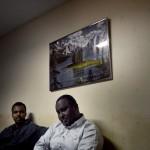 """På kulturföreningen Afrikas horn mitt i Tjärna Ängar samlas män på kvällarna för att diskutera. Mahat Alas ser problemet med att svensk-somalierna är så isolerade i samhället: """"Vi är tysta och har ingen offentlig röst i media""""."""