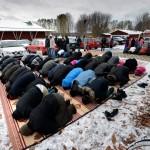 Planerna på att bygga ett nytt islamiskt center i Borlänge har väckt protester. Tanken är att den nya moskén ska ligga på tomten mellan Hagakyrkan och Stadshuset, nära centrum och grönområdet där Peace & Love-festivalen brukar hållas.