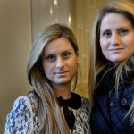 Systrarna Sima, 29 och Siblla Yakob, 24, hamnade först i Degerfors när de kom till Sverige från Syrien 1989. Där lärde vi oss svenska snabbt, berättar de. Det är svårare för dem som flyttar till Södertälje nu och bara träffar andra personer med utländskt bakgrund. -Man förstår att folk vill flytta hit till tryggheten. Men politikerna måste locka folk att flytta någon annanstans där det finns jobb, säger Siblla.