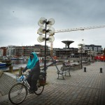 Nya, fina bostäder, är det som politikerna hoppas ska locka fler människor med jobb till staden.
