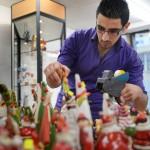 Fadi Akrawi kommer hjälpa pappan med affären.