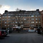 Fastigheten där familjen Siversson till inte för länge sedan. Miljöförvaltningen har hittat många brister där som dragiga fönster och misstänkt fukt.