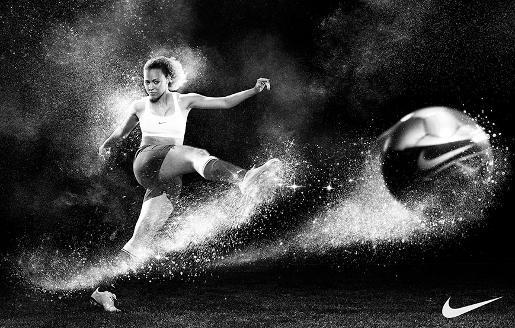 Lianne Sanderson i en kampanj för Nike 2010.