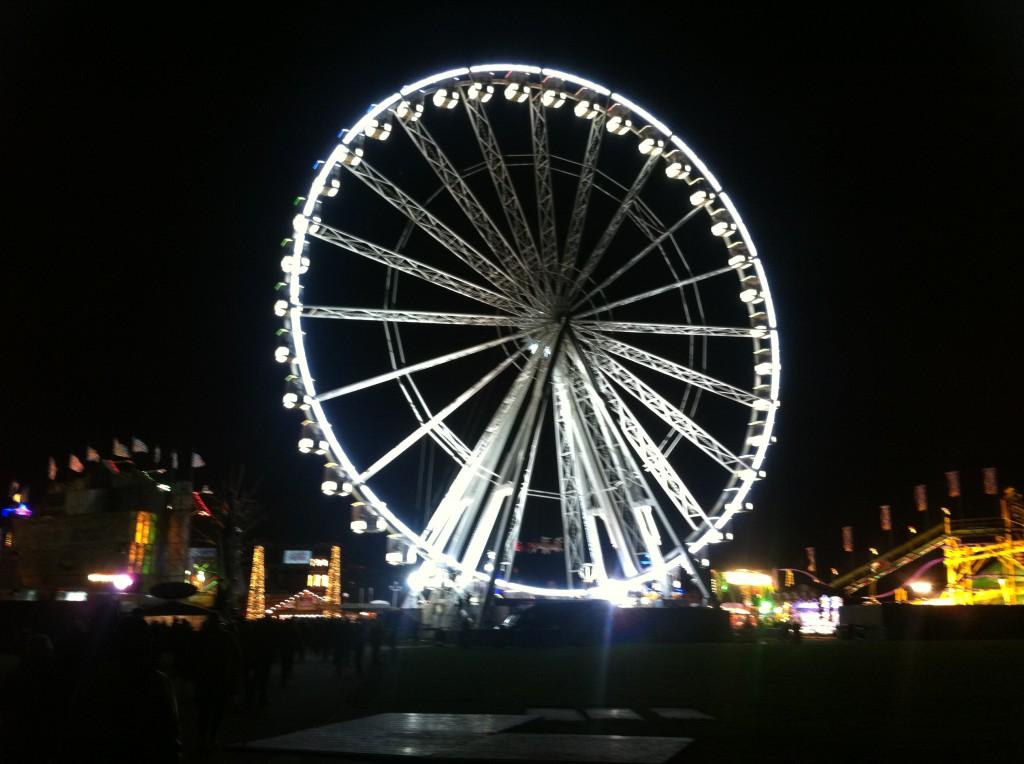 Hjulstämning: Winter Wonderland har sitt eget pariserhjul.