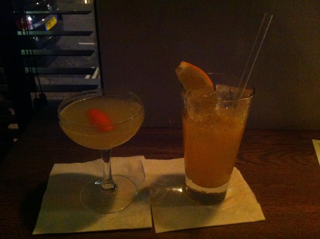 Satan's Whiskers är namnet på en cocktail (t v) baserad på gin, apelsinjuice och torr vermouth.