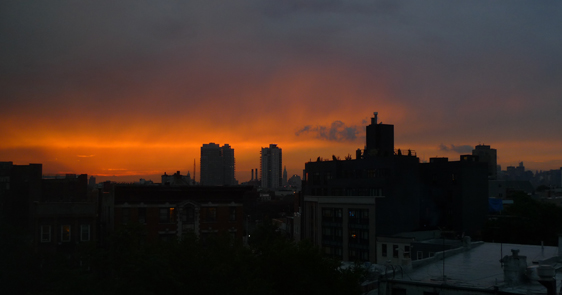 Missar du Manhattanhenge så bjuder New York på många andra vackra solnedgångar.