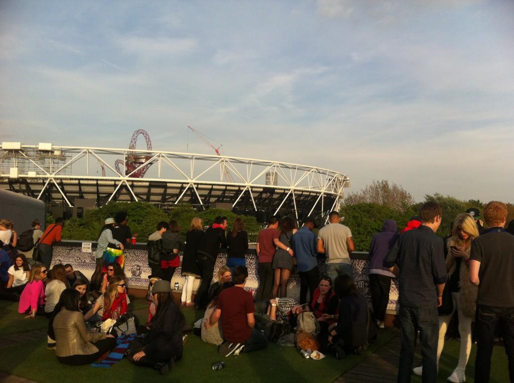 Solnedgång på taket bakom OS-parken.