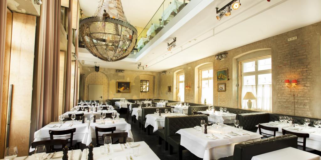 Restaurant_Unten_01