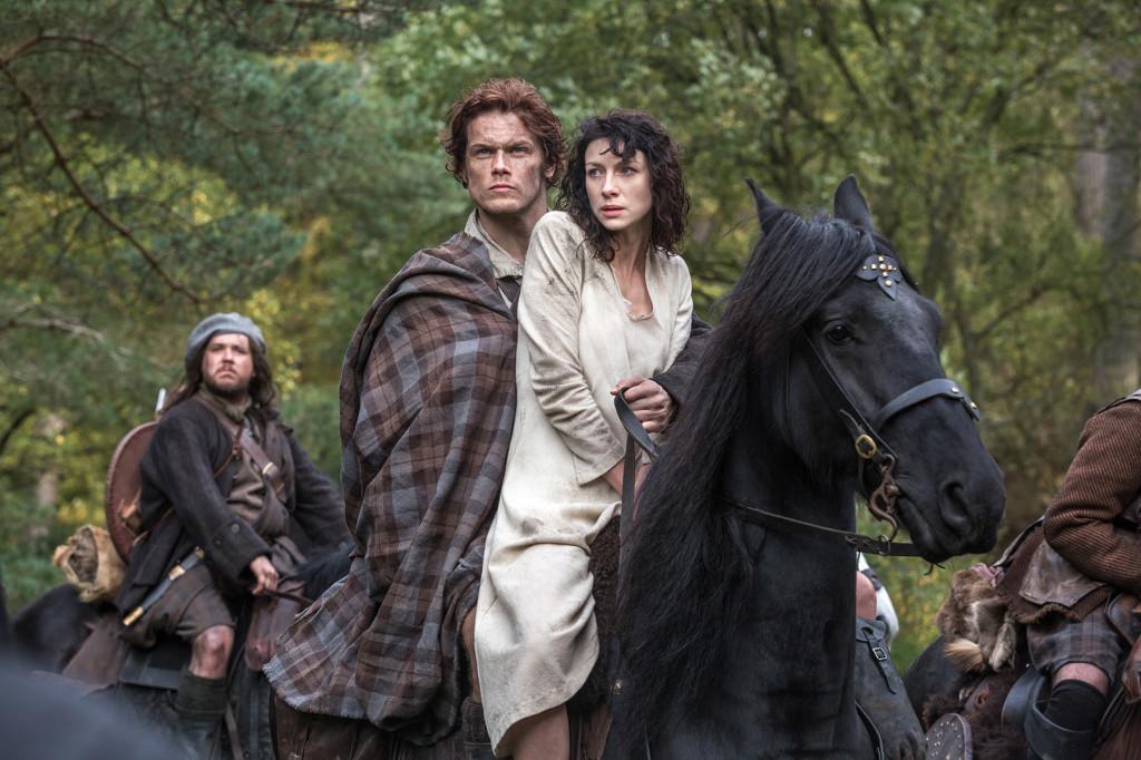 """Sam Heughan och Caitriona Balfe spelar huvudrollerna i """"Outlander""""."""