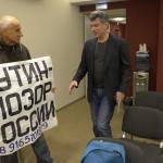 Oppositionsmannen Boris Nemtsov och en partimedlem. Foto: Urban Andersson