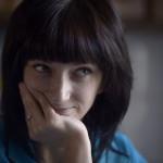 Karina tjänar ungefär 20 000 rubel, 4 000 kronor, i månaden som historielärare.