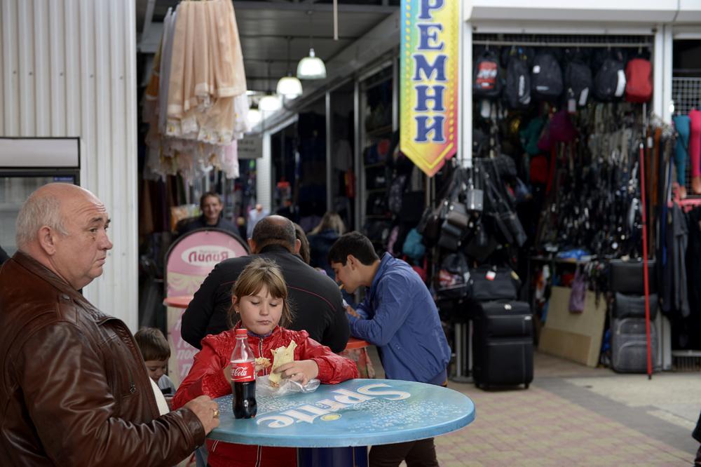 Till Armavirs gamla marknad kommer kommer snart bara de fattigaste