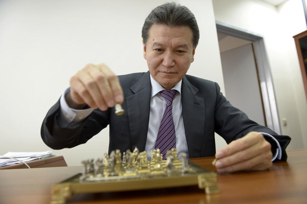-varför har schackbrädet 64 rutor, undrar President Kirsan Iljumzjinov
