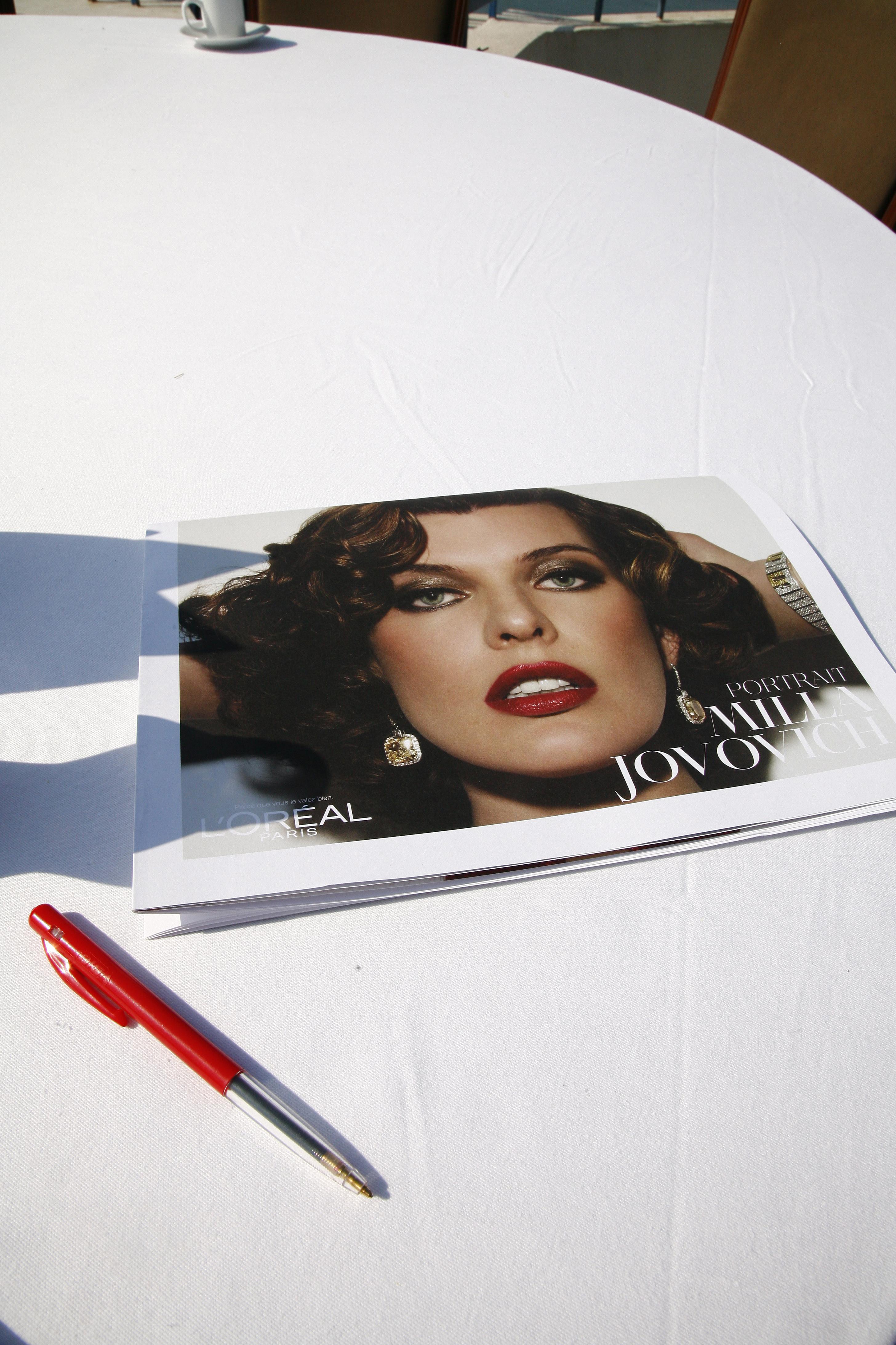 MIlla Jovovich i reklamkampanj för L'Oreals mascara