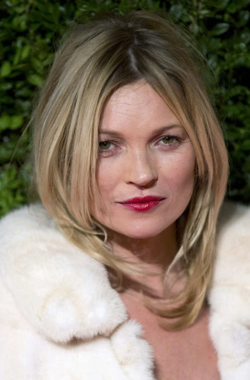 En helt vanlig bild på Kate Moss, 39, tagen den 2 dec på British fashion awards i London 2013. Foto: Neil Hall Reuters