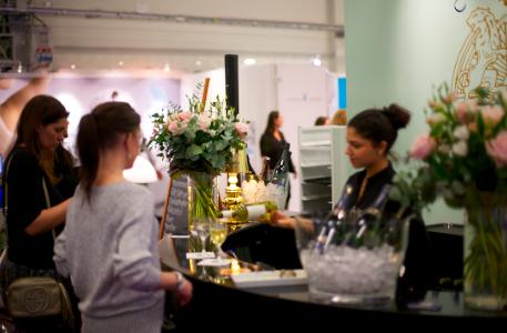 Acadermias champagnebar är ett återkommande populärt koncept på skönhetsmässan i Kista