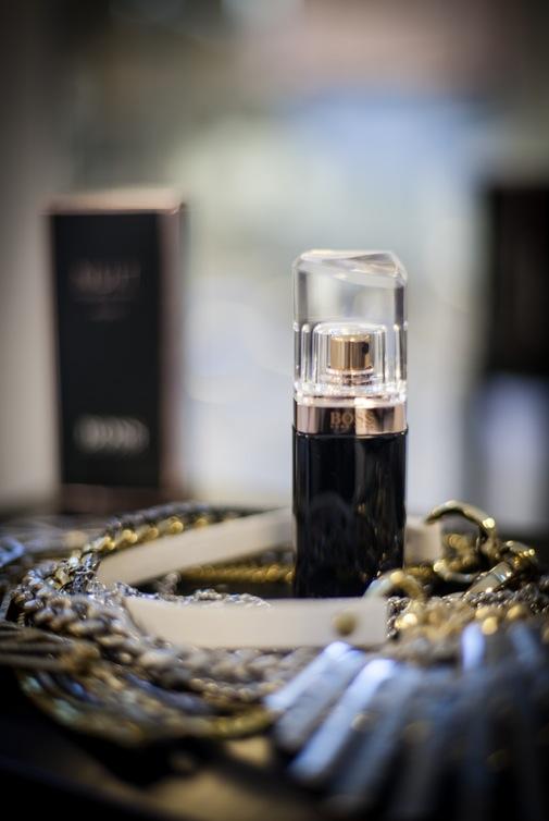 Hugo Boss nya parfym Boss Nuit Pour Femme Intense får mig på partystämning