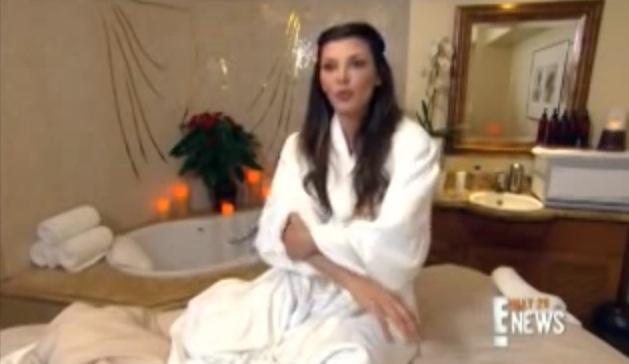 Skådespelerskan Ali Landry beskriver Kerstin Florians behandlingen på bästa sändningstid på kanal E! i USA