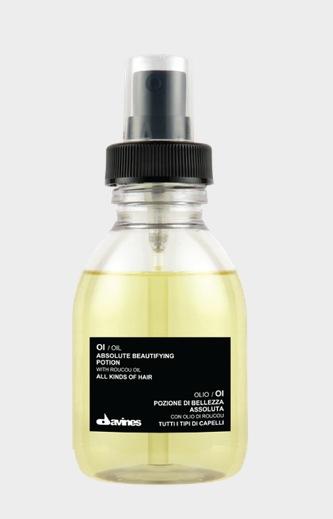 Prisbelönta Oi Oil från Davines är en av Angelos favoritprodukter