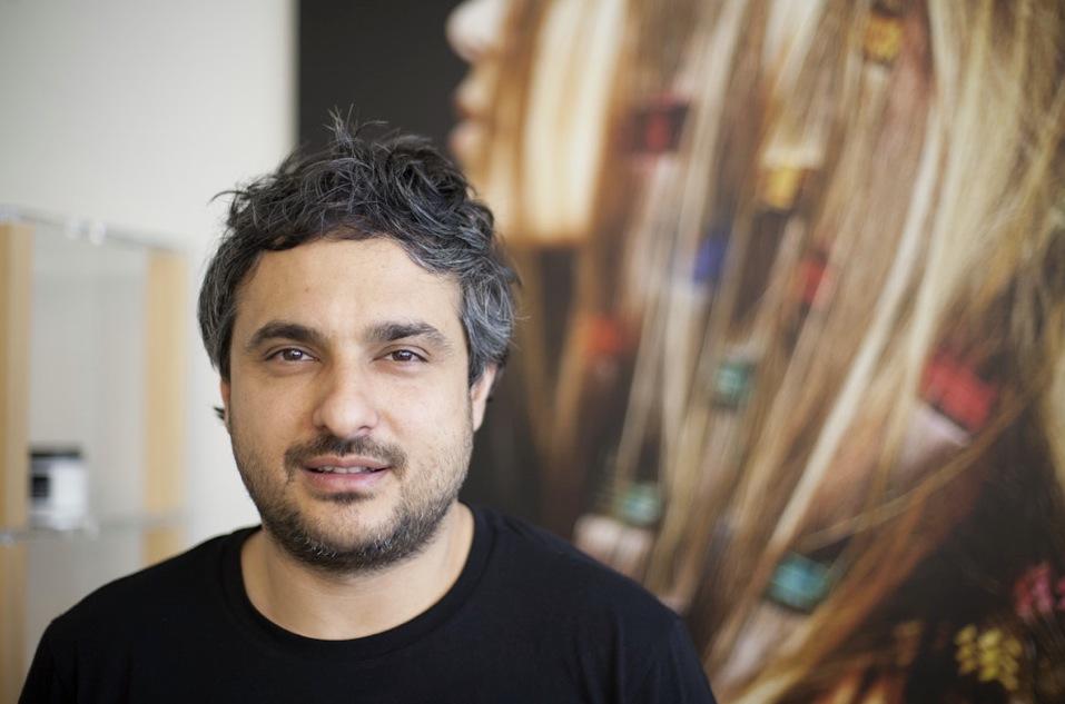 Angelo Seminara för Davines pratar hellre om struktur än lyxig finish när det kommer till hår och hårvård