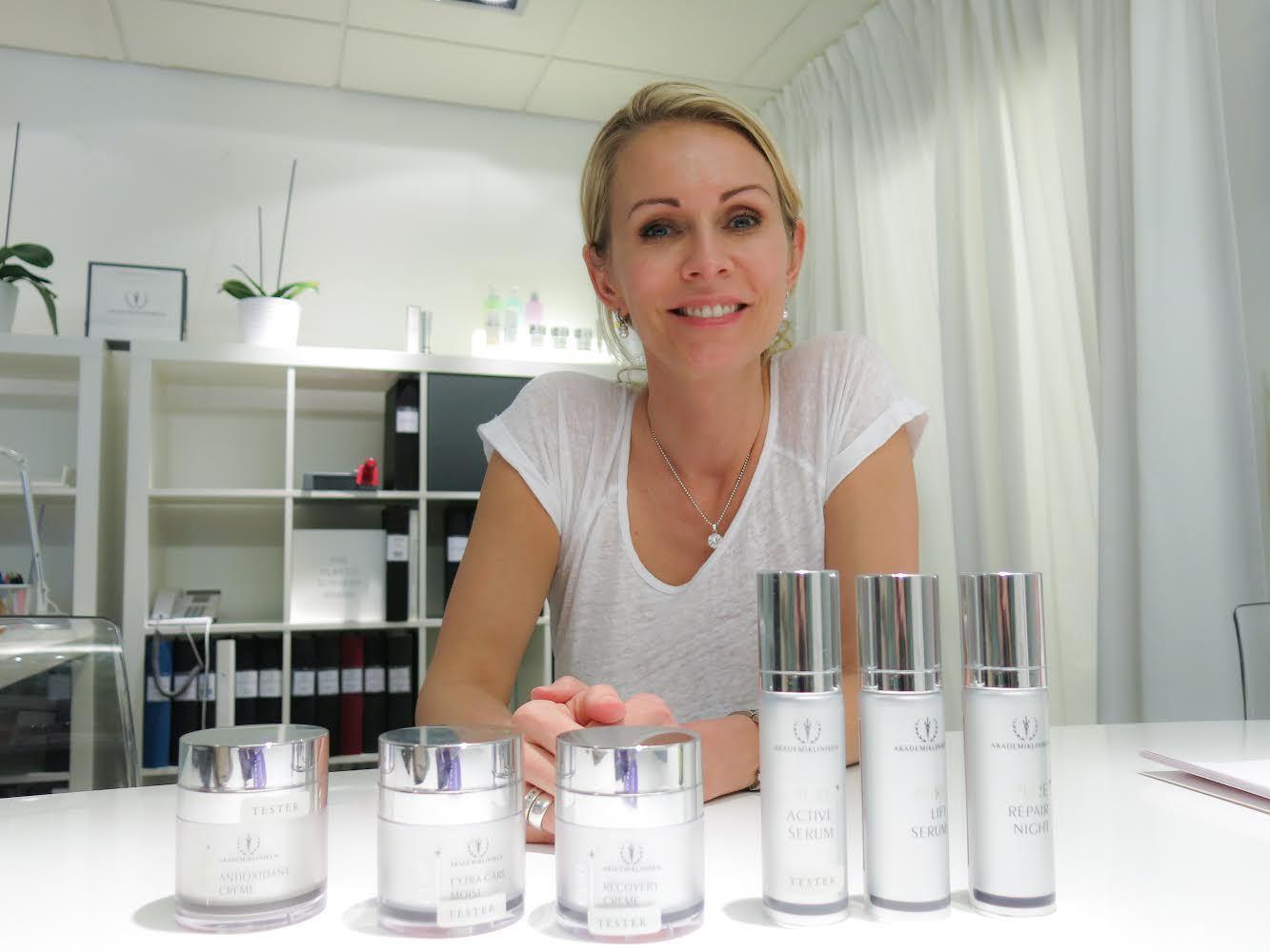 Sara Lidback är ansvarig för Akademiklinikens produktutveckling när det kommer till hudvård och en av föreläsarna på Daisy Beautys skönhetskonferens i London 2014