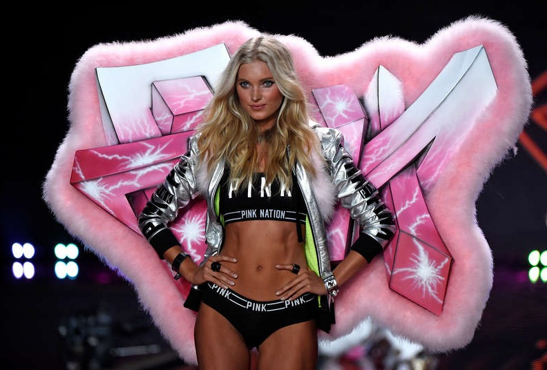 Vår egen Elsa Hosk med grafittivingar. Foto: Getty Images