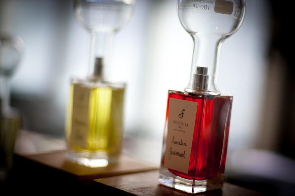 Röd som glöd är Fueguias senaste parfym Amalia Gourmand