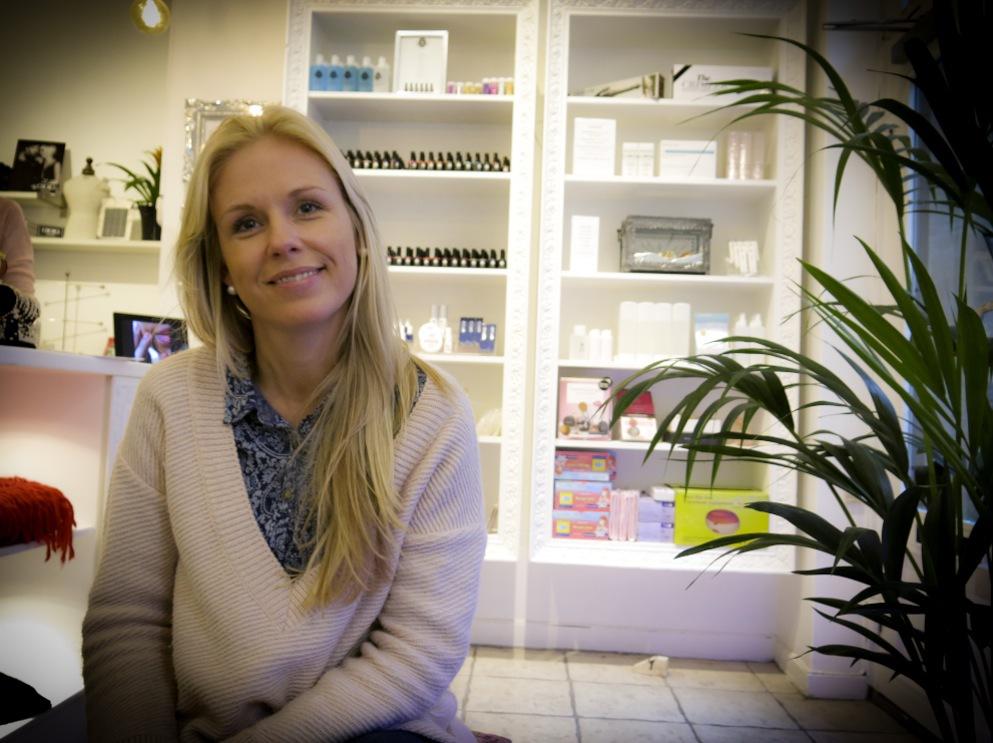 Linda Hallberg arbetade många år i Marbella med nagelvård. Nu är hon tillbaka i Stockholm med ett eget märke, Sweden Nails.